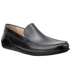 2a7e402b ECCO Men's 571004 Classic Moccasin Loafers